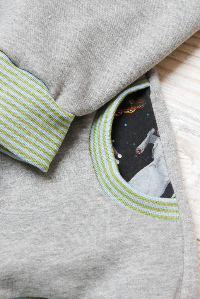 Kinder-Hoodie Konfetti Petterns mit Taschenbeuteln aus Jersey
