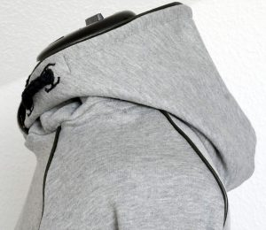 Kinder-Hoodie Konfetti Petterns aus grauem Swaetshirtstoff und Star Wars Jersey
