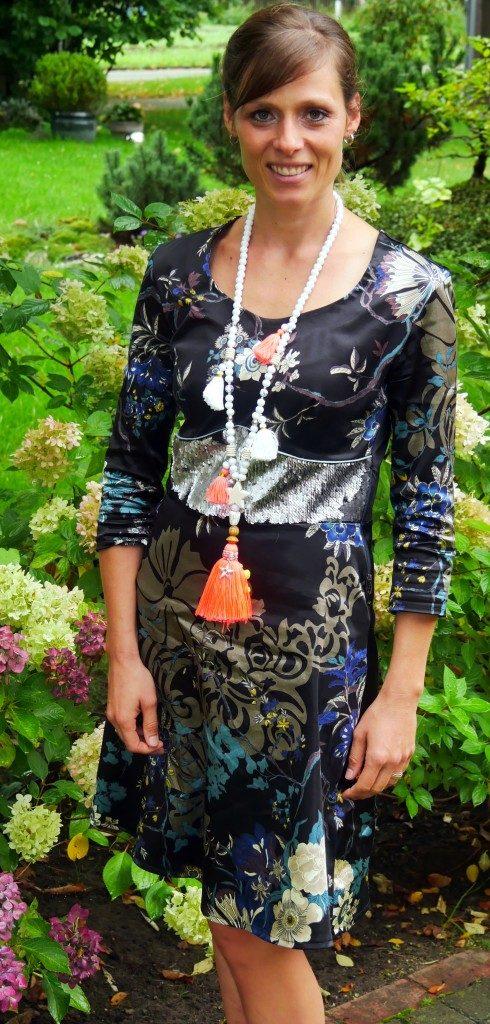 Kleid Dira nichtdehnbarer Stoff von Prülla und Mirarostock- kleine Naht ganz groß